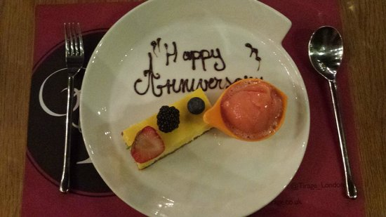 Haz Restaurant : Cheesecake with personal message