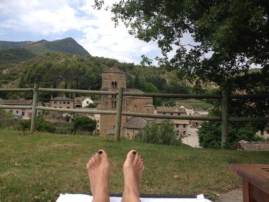 Hotel Rural El Mirador de los Pirineos By Brasi: vista desde la piscina
