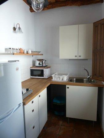 Casita de la Vaca: Well equipped functional kitchen