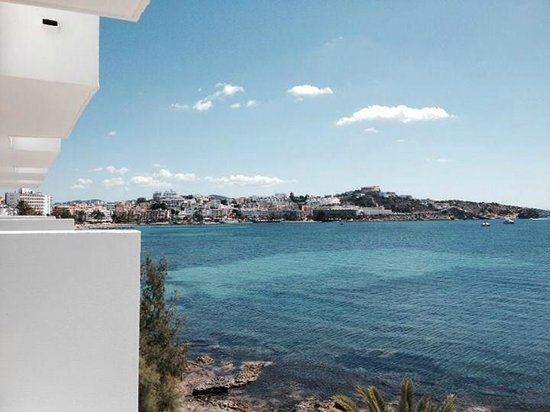 Aparthotel Playasol Jabeque Soul: Lovely view of Ibiza town from room 315
