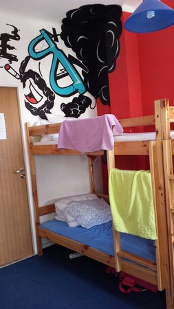 Globetrotter Hostel : Кровать в женской 8-местной комнате.