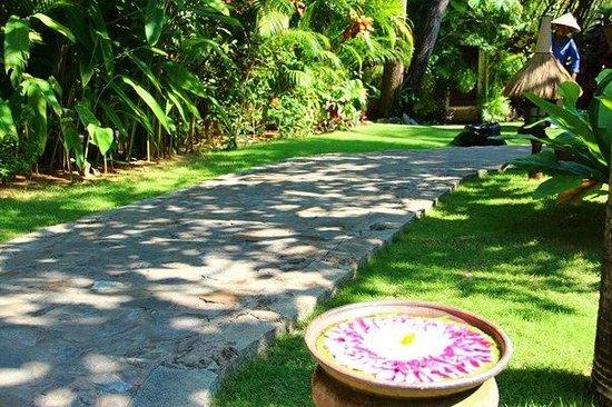 Cham Villas: На территории отеля