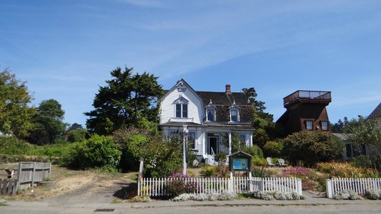 Mendocino Coast: Mendocino.. beautiful place with beautiful houses