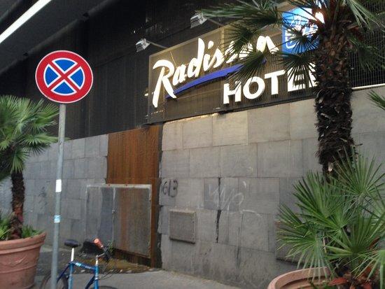 Radisson Blu es. Hotel, Roma: Front of hotel