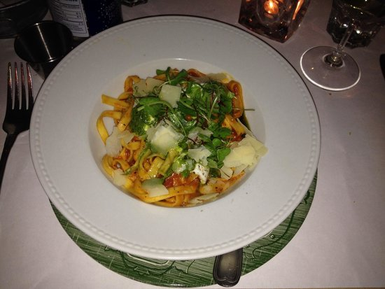 Barroco : Vegetarian pasta with cheese shavings and ground pepper