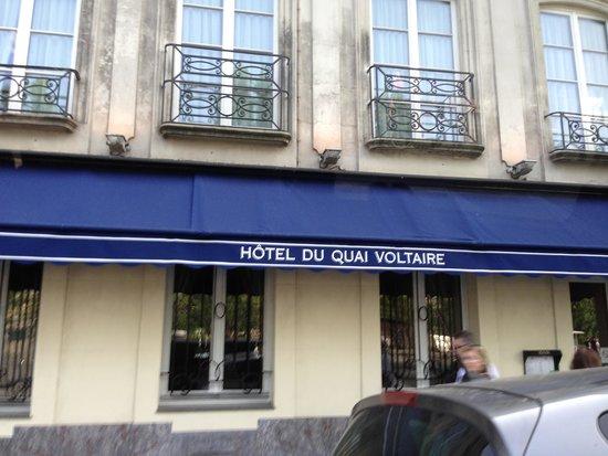 Hotel du Quai-Voltaire: Street Entrance