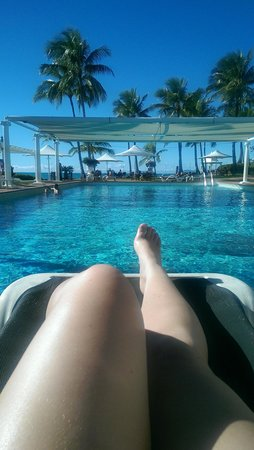 Coral Sea Resort: sun time