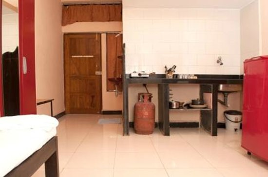 Mantheven Homes: Kitchen With Gas Facilities