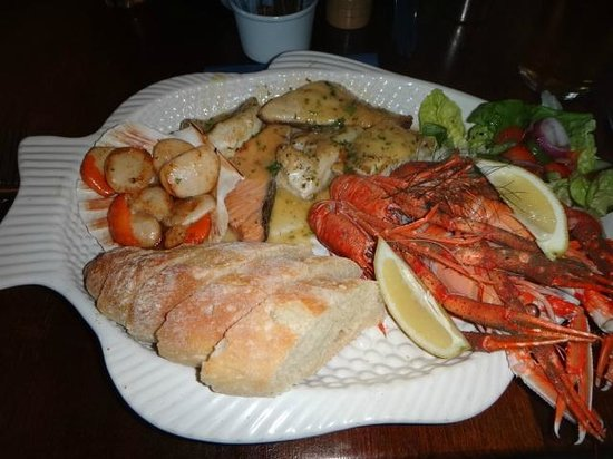 Melvaig Inn: Seafood platter for one. Superb !!!