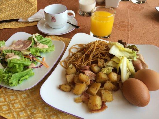 Hanoi Hotel: breadfast