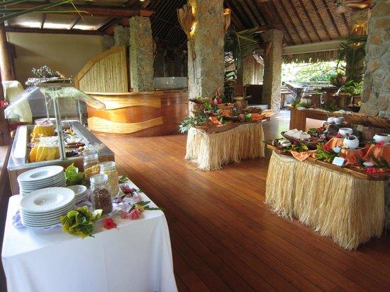 Le Taha'a Island Resort & Spa : Buffet petit déjeuner
