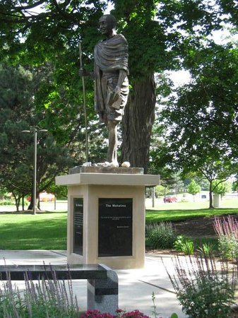 Flint, MI: The Mahatma Statue