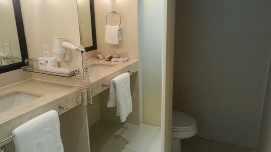 The Picasso Boutique Serviced Residences: Loved the bathroom!