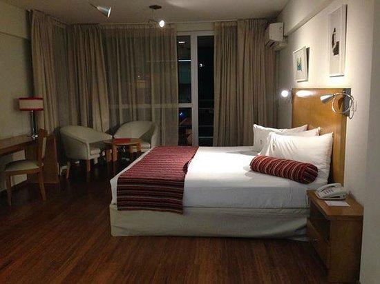 BA Sohotel : quarto espaçoso e aconchegante