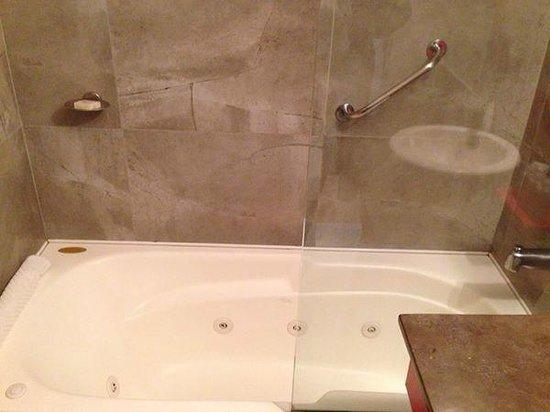 BA Sohotel : banheira com hidro