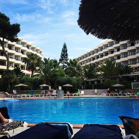 Intertur Hotel Miami Ibiza: Poolside