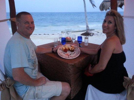 Secrets Capri Riviera Cancun: Dinner on the Beach