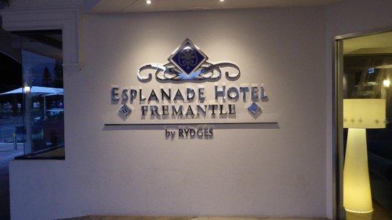 Esplanade Hotel Fremantle - by Rydges: Front entrance