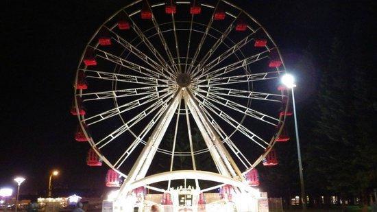 Esplanade Hotel Fremantle - by Rydges: Giant Ferries Wheel