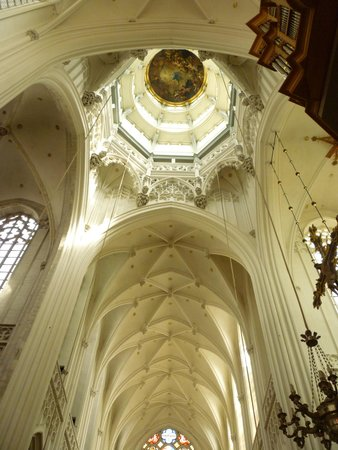 Liebfrauenkathedrale (Onze-Lieve-Vrouwekathedraal): The Cathedral of Our Lady