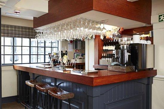 The Red Lion: Restaurant Bar