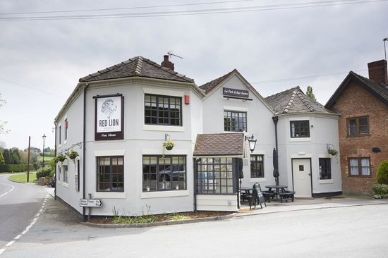 The Red Lion: New Look Pub