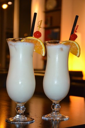 art'otel budapest: Pina Colada served at the bar..very nice!