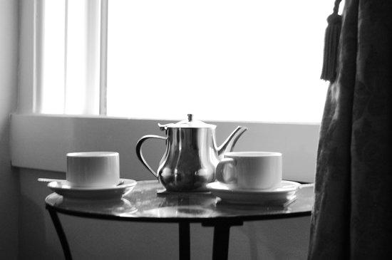 The Grafton: tea.