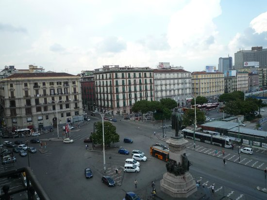 UNA Hotel Napoli: 部屋からの眺め