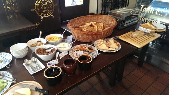 Lokal Inn: Extrait du  Petit Dej