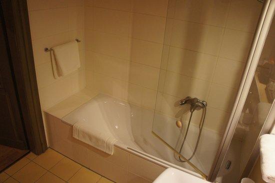 Lokal Inn: Salle de bain