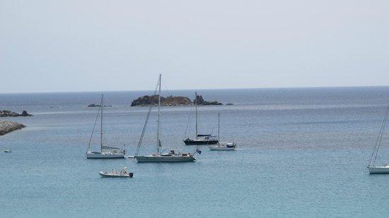 Hotel Stella Maris : Boats just off shore