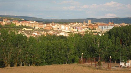 Parador de Teruel: Vue sur Téruel depuis la chambre