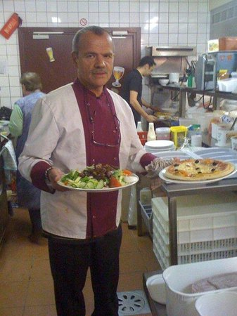 Restaurant Iroko Grill's : le Patron en cuisine