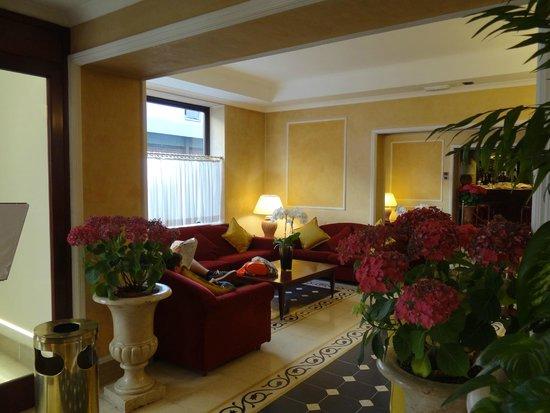 Hotel Corona D'Italia: Lobby