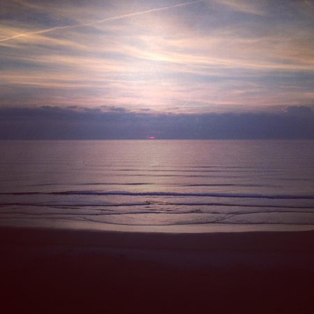 Hyatt Place Daytona Beach - Oceanfront : Sunrise from Room 707