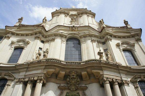 Iglesia de San Nicolás (Chram svateho Mikulase): Exterieur, façade avant