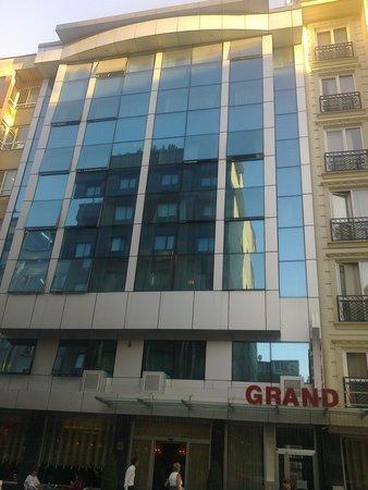 Hotel Grand Unal: Hotel street view