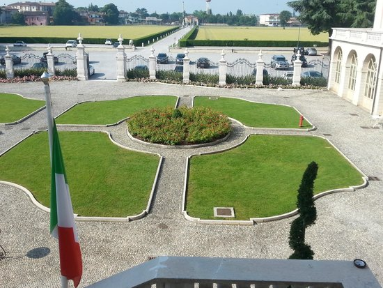Villa Fenaroli Palace Hotel: vista entrata