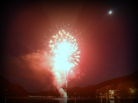 The Lodge on Lake Lure: Fireworks On The Lake