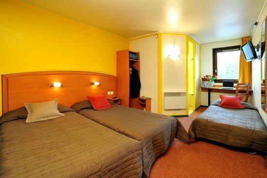 Sky Hotel Emerainville