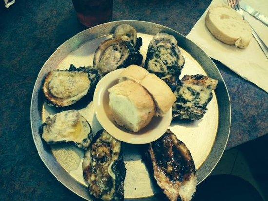 Shucks The Louisiana Seafood: Oyster sampler - YUM!