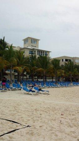 Occidental Costa Cancun: Beach view