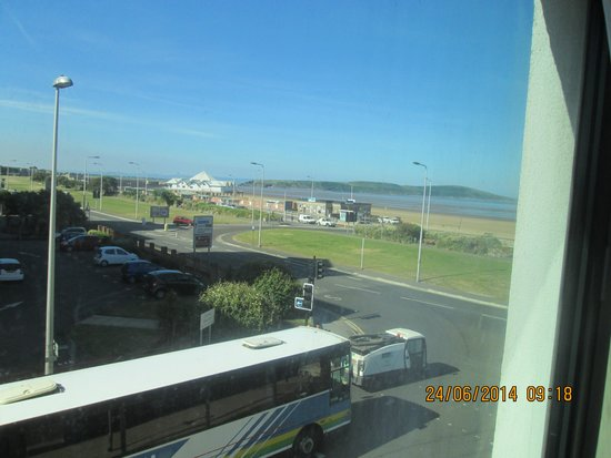 Premier Inn Weston-Super-Mare (Seafront) Hotel: Our Friends Sea View Room 114