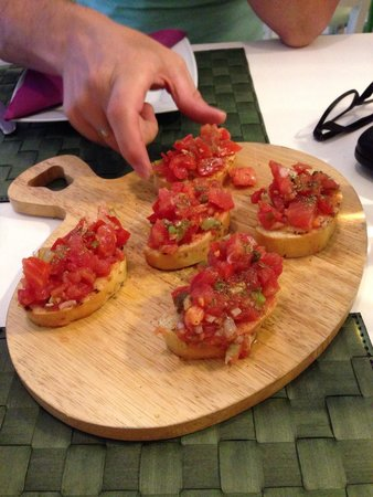 Belpaese : Real fresh Bruchetta