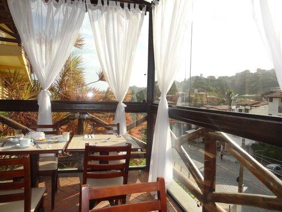 Rio Buzios Beach Hotel: esto seria el desayunador,hermoso por que a la mañana te da el sol.
