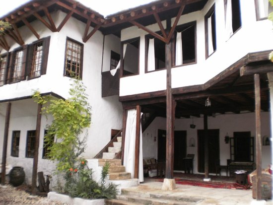 Turkish House (Kajtaz): Exterior