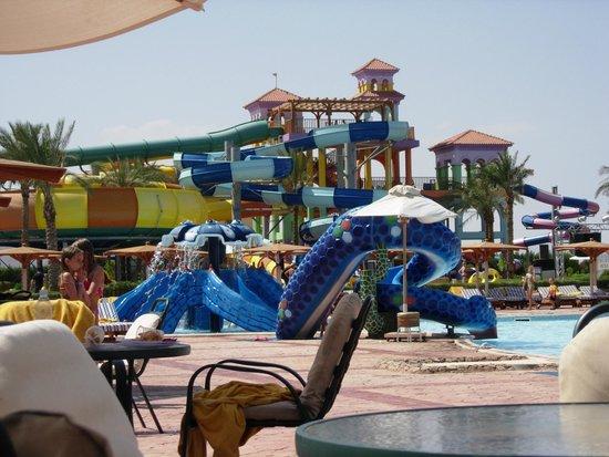 Charmillion Club Aqua Park: slides