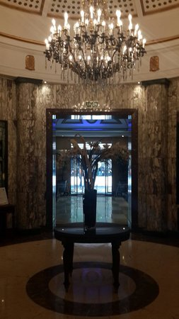 Gran Hotel Velazquez : hall