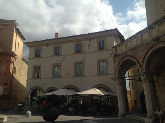 Palazzo Bontadosi Hotel & Spa: Square view ...
